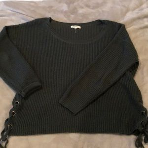 Sweaters - Olive green sweater with tie detail Size ML